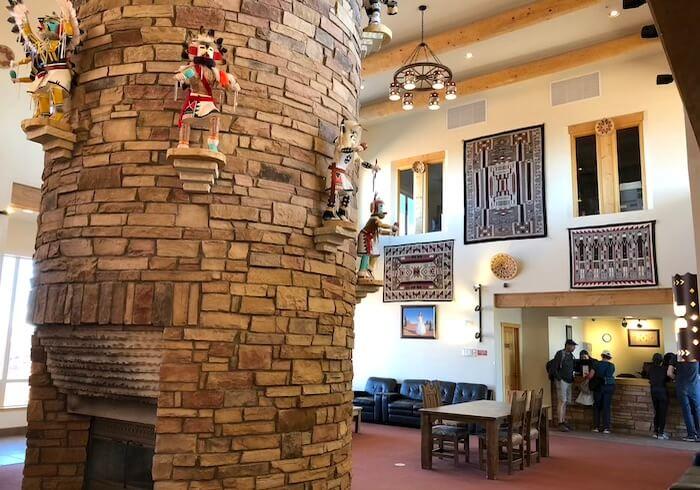 ザビューホテルのロビーとチェックインの場所