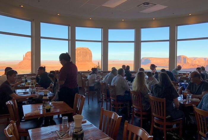 The View Hotel(ザ ビューホテル)のレストラン2