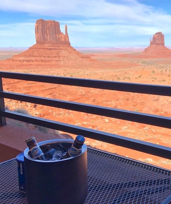The View Hotel(ザ ビューホテル)ビールで乾杯