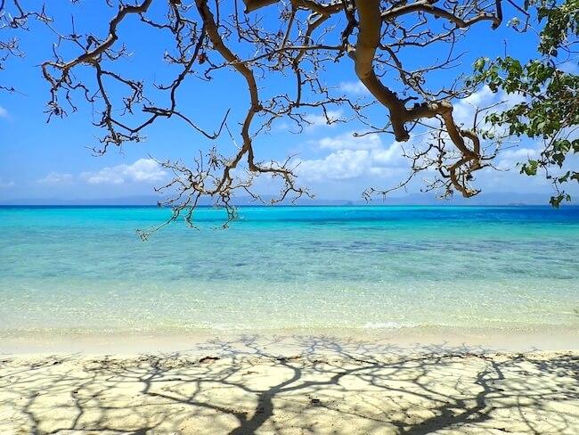 アプリット島のウェストビーチ
