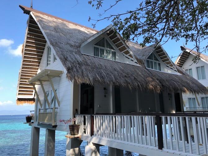 アプリット島の水上コテージ部屋11